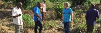 Louie-Kazemier-working-in-Uganda
