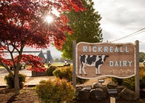 Rickreall-Dairy-sign